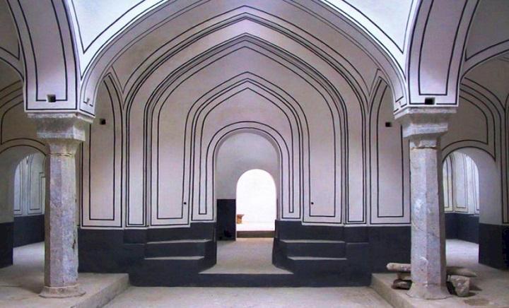 سند مالکیت حمام تاریخی شیشه به نام شهرداری سنندج صادر شد